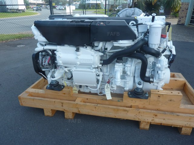 NEW VOLVO PENTA D11 725HP - picture 1